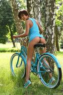 http://img30.imagedunk.com/i/03655/rq6eox8e8h0k_t.jpg