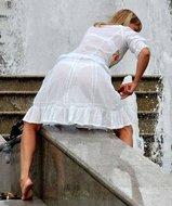 http://img30.imagedunk.com/i/03677/0d7z8hmmlq12_t.jpg