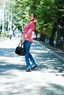 http://img30.imagedunk.com/i/03679/es1f5kg0vo6l_t.jpg