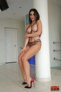 http://img30.imagedunk.com/i/03754/xbywp7q94jac_t.jpg